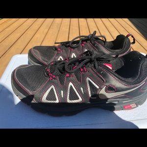 Nike Alvord 10 Women's Black/Pink Sneakers SZ. 9.5